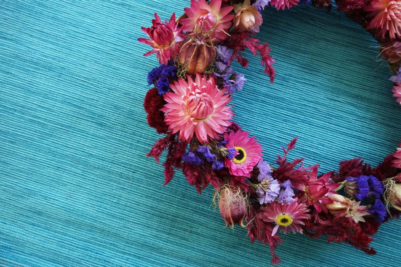 Make A Dried Flower Wreath